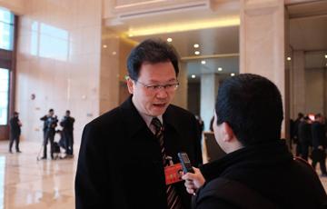 跑會進行時:政協陜西省十一屆四次會議開幕