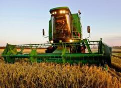 全國農作物耕種收綜合機械化率超過67%