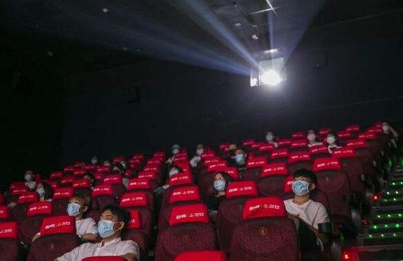 久違了大熒幕 記錄2020年第一場電影