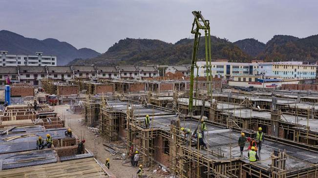 陜西洛南:災後自救 重建家園