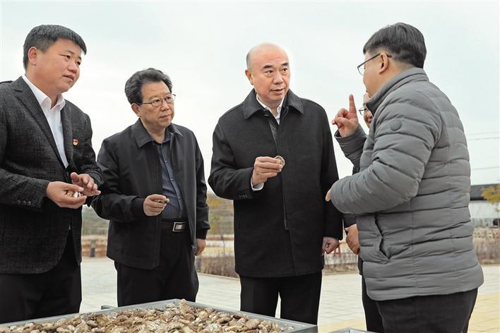 劉國中在榆林市調研脫貧攻堅工作