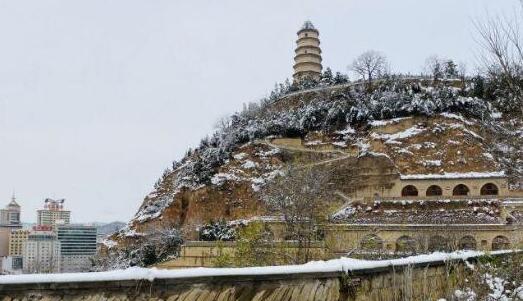 你見過寶塔山雪景嗎?延安:他來了