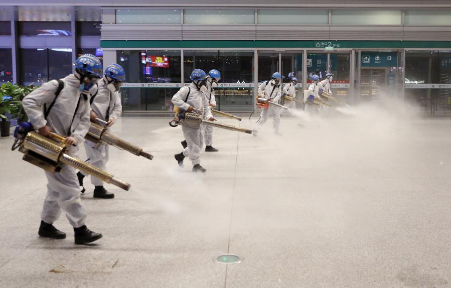 """西安:""""地毯式""""清潔消殺確保旅客安全出行"""