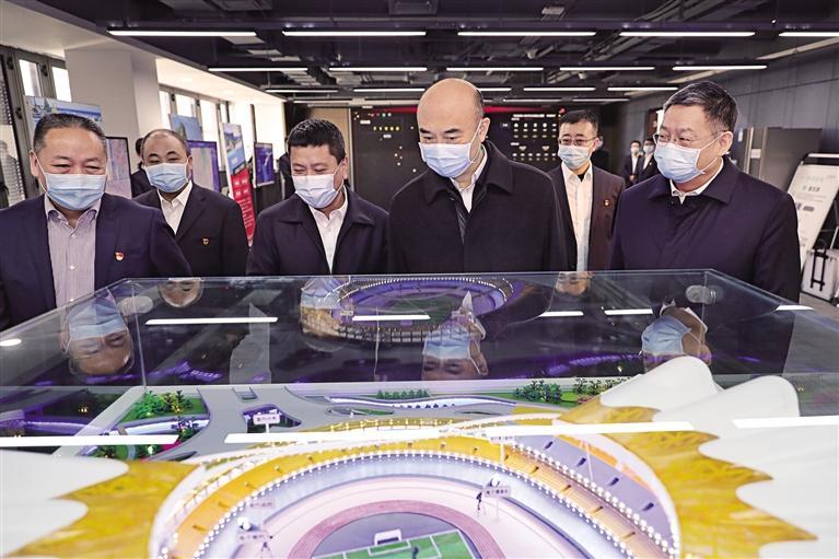 劉國中走訪中央駐陜企業
