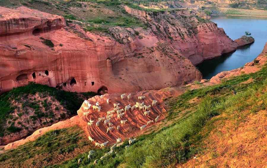 龙州 靖边县 景观/红砂峁——大漠中的丹霞景观